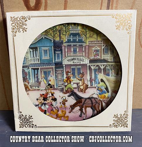 Vintage Tokyo Disneyland Westernland Picture Plate - CBCS #281