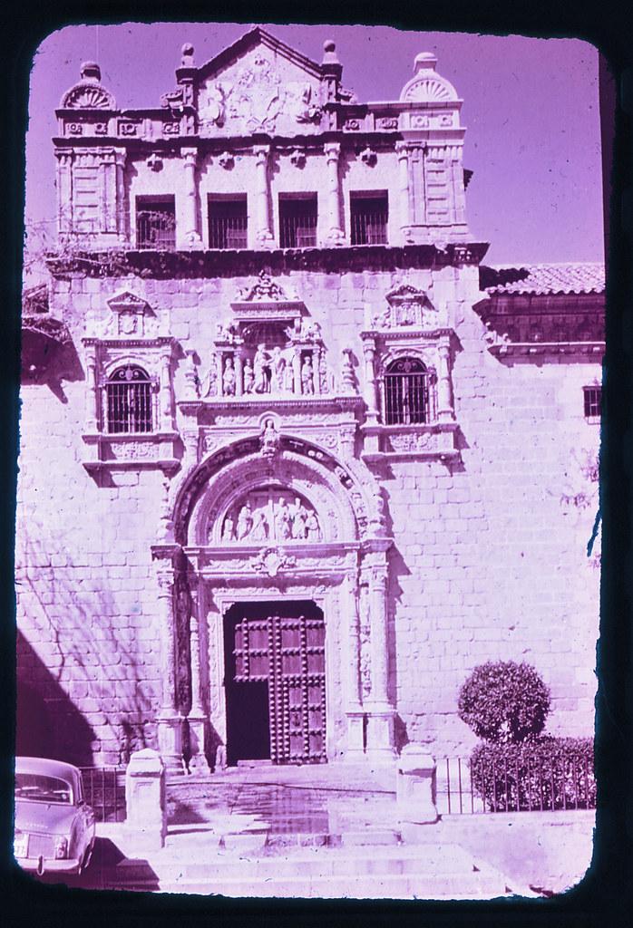 Hospital de Santa Cruz de Toledo hacia 1965. Diapositiva incluida en el Librofilm Aguilar dedicado a la ciudad en ese año. Colección personal de Eduardo Sánchez Butragueño.