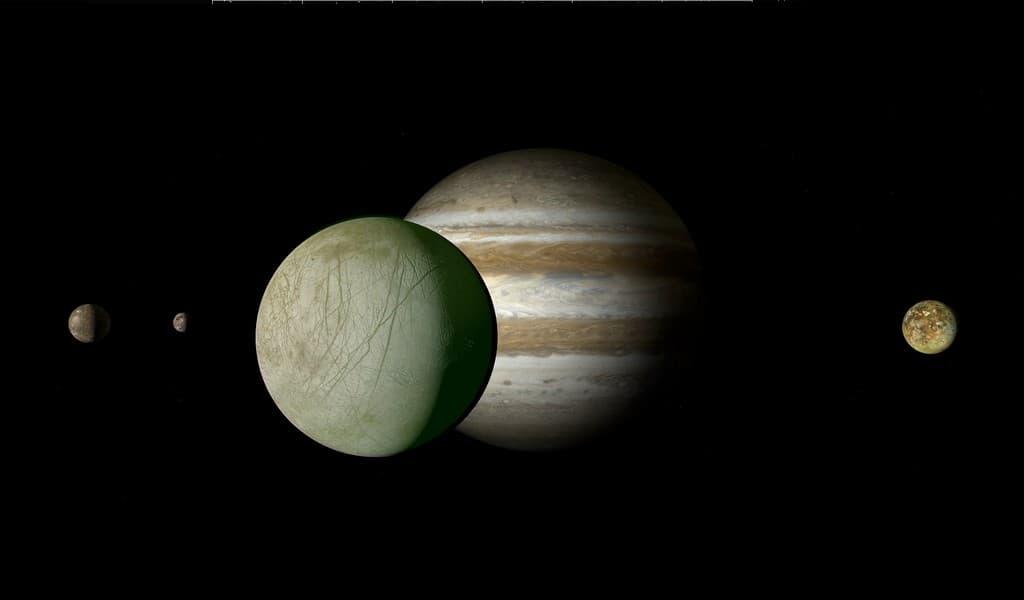 La-lune-Europe-a-de-la-glace-qui-peut-briller-en-vert