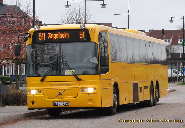 14.9m long Volvo B12M Nobina 6999 REC616 is a welcome alternative to the outstation Solaris previously used on route 511