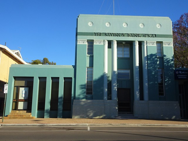 Berri. An excellent example of a sympathetically painted old bank. Built around 1930. Great Art Deco ornamentation and columns.