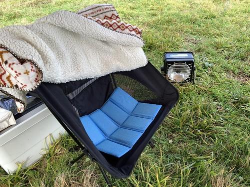 キャンプ椅子の防寒対策