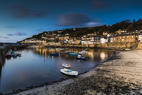 mousehole mountsbay cornwall fishingvillage sunrise bluehour harbour boats england uk canon 80d sigma 1020mm leefilters
