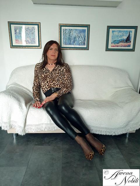 Shiny leggings 02