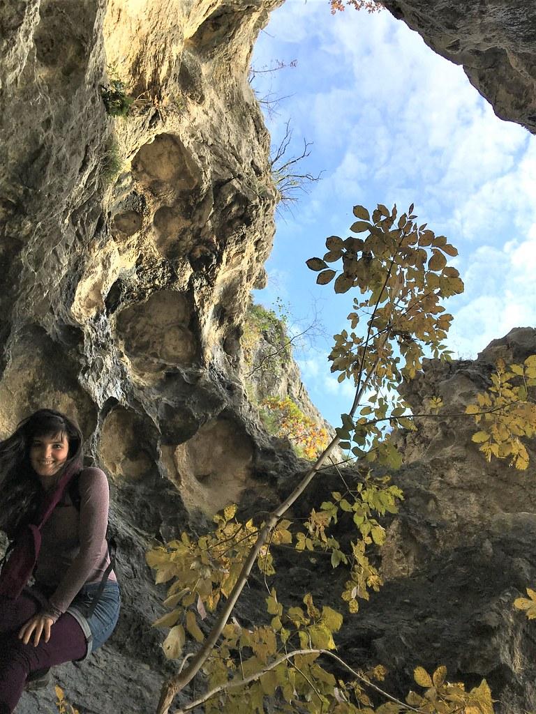 sátorkőpusztai barlang felett