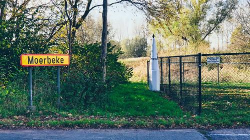 Moerbeke, grenspaal 294