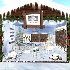 Christmas Log Cabine