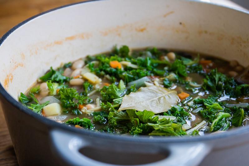 recipe-for-kale-white-bean-minestrone