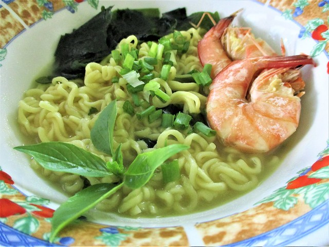 Clam instant noodles