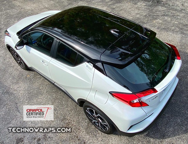 Toyota C-HR black vinyl roof wrap