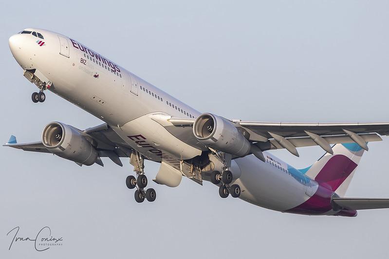 Airbus A330-342 – Eurowings (Brussels Airlines) – OO-SFB – Brussels Airport (BRU EBBR) – 2020 11 07 – Takeoff RWY 25R – 01 – Copyright © 2020 Ivan Coninx
