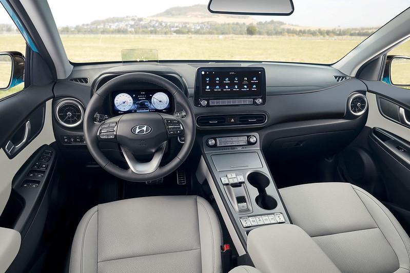 2021-Hyundai-Kona-Electric-14