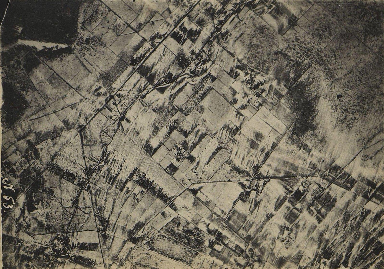 1916. Зимняя фоторазведка Двины (севернее Двинска) на одном из участков Северного фронта (снимок третий)