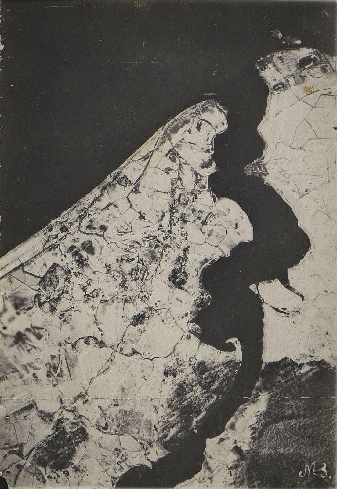1916. Зимняя фоторазведка Двины (севернее Двинска) на одном из участков Северного фронта (снимок первый)
