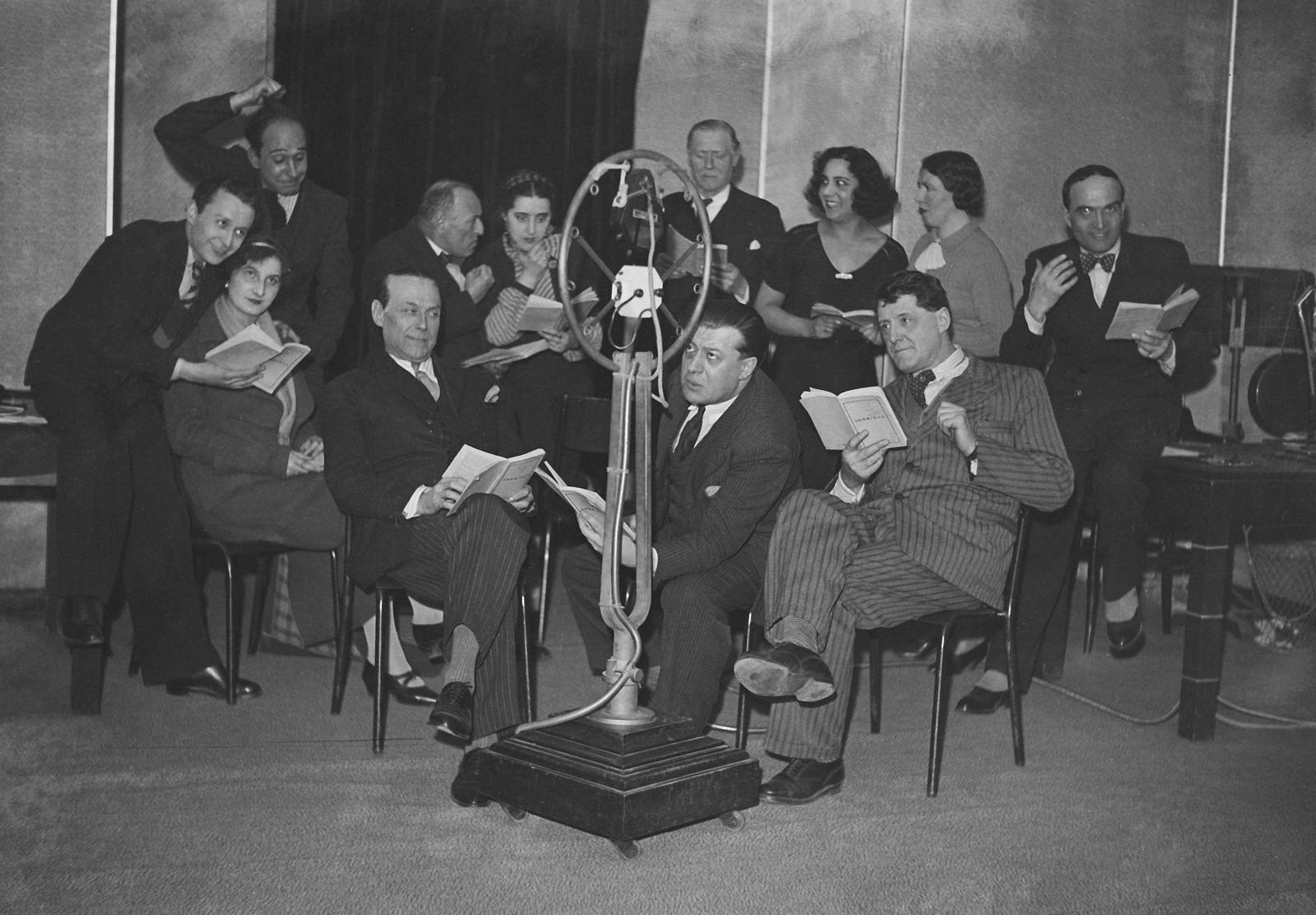 16. 1935. Поль Кастан, директор Эйфелевой башни