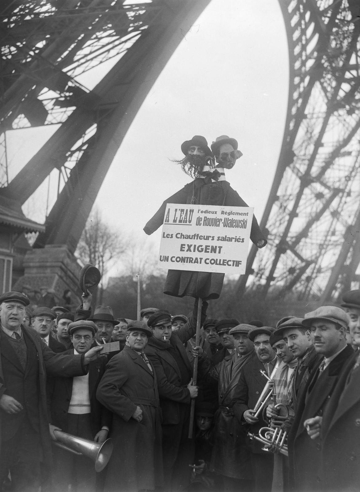 11. 1934. Забастовка таксистов. Демонстрация у подножия Эйфелевой башни
