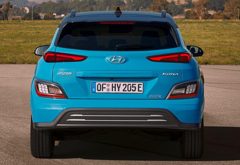 2021-Hyundai-Kona-Electric-7