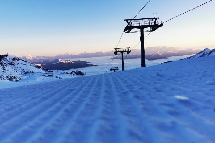 Aktuálně: svatý Martin na bílém koni, ale bez lyžařů