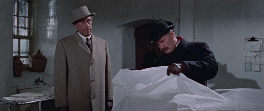 Nigel Green et Howard Marion-Crawford dans Le Masque de Fu Manchu (The Face of Fu Manchu, Don Sharp, 1965)