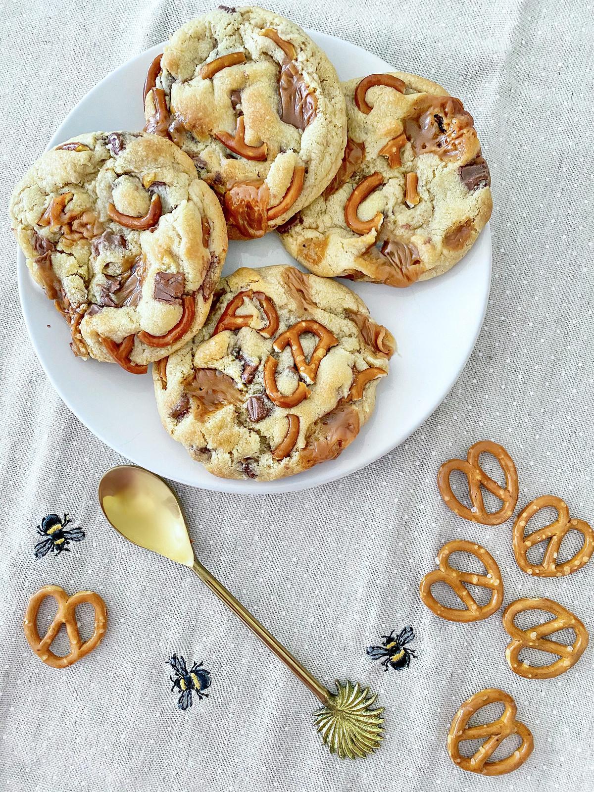 Salted caramel and pretzel cookies