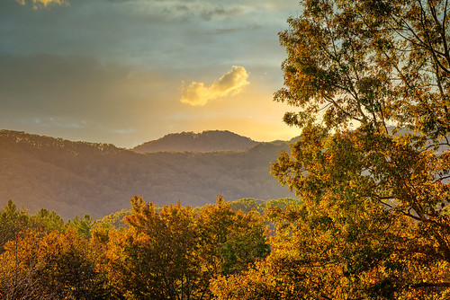 mccaysville georgia unitedstates northgeorgia horses barn fallcolor trees sunset landscape mountains