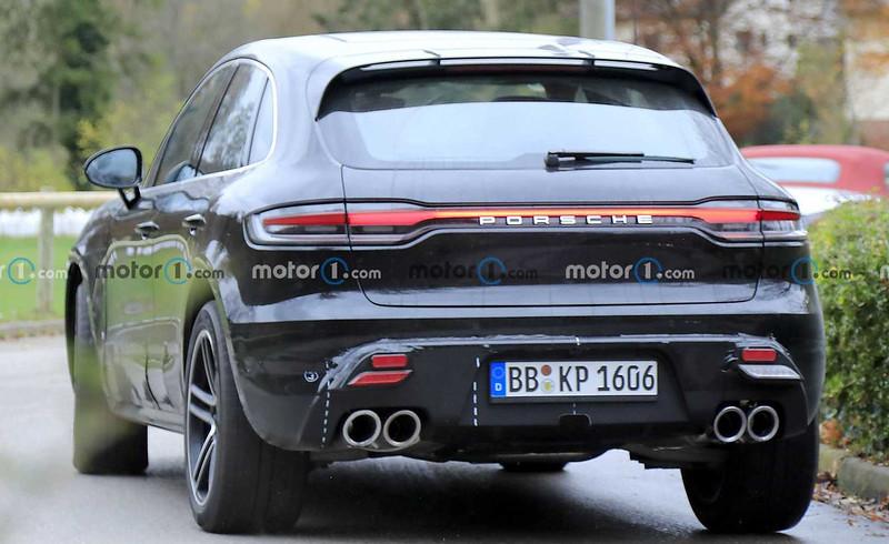 porsche-macan-facelift-new-spy-photo-rear