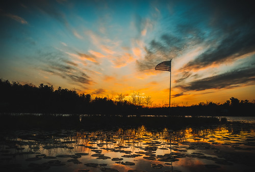 veterans day west sand lake reichards flag sunset sky water reflection clouds color nature outdoors peace rwgrennan upstate new york ny nys rensselaer county rgrennan ryan grennan nikon d610 landscape