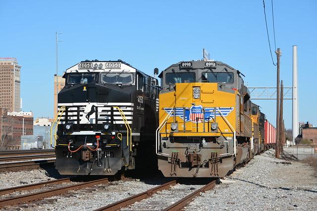 UP SD70AH 8998-930