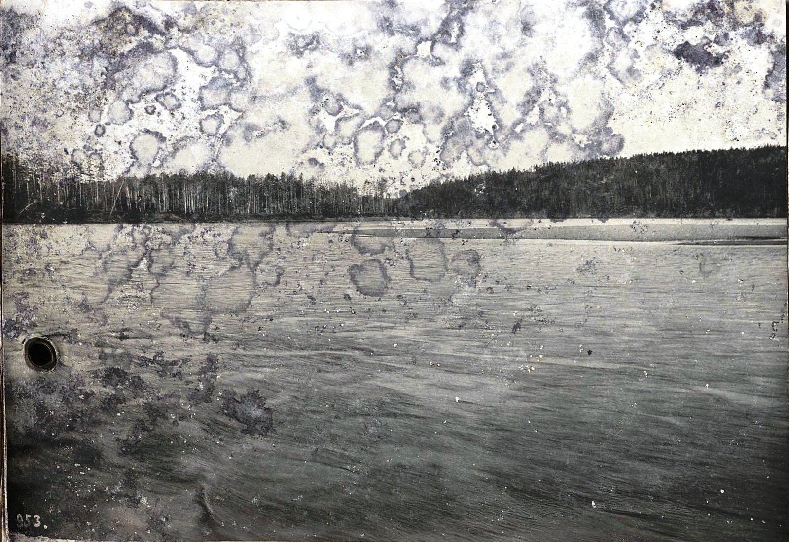 953. Путешествуя по реке (15)