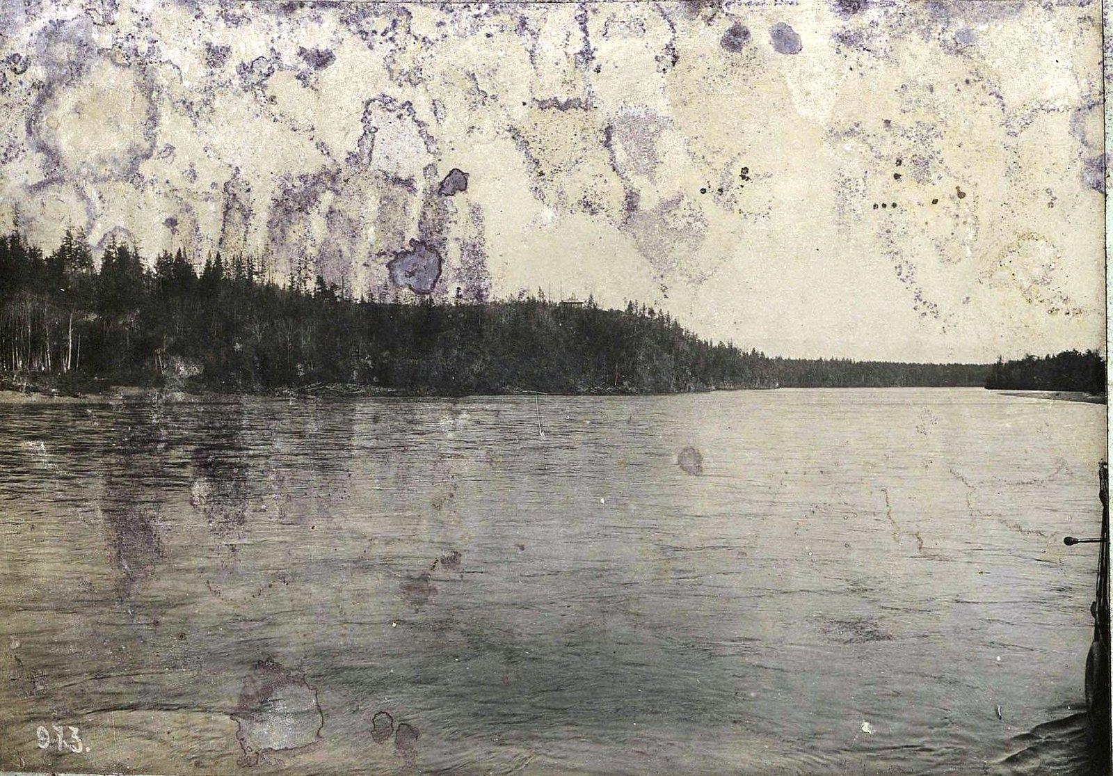 973. Путешествуя по реке (10)