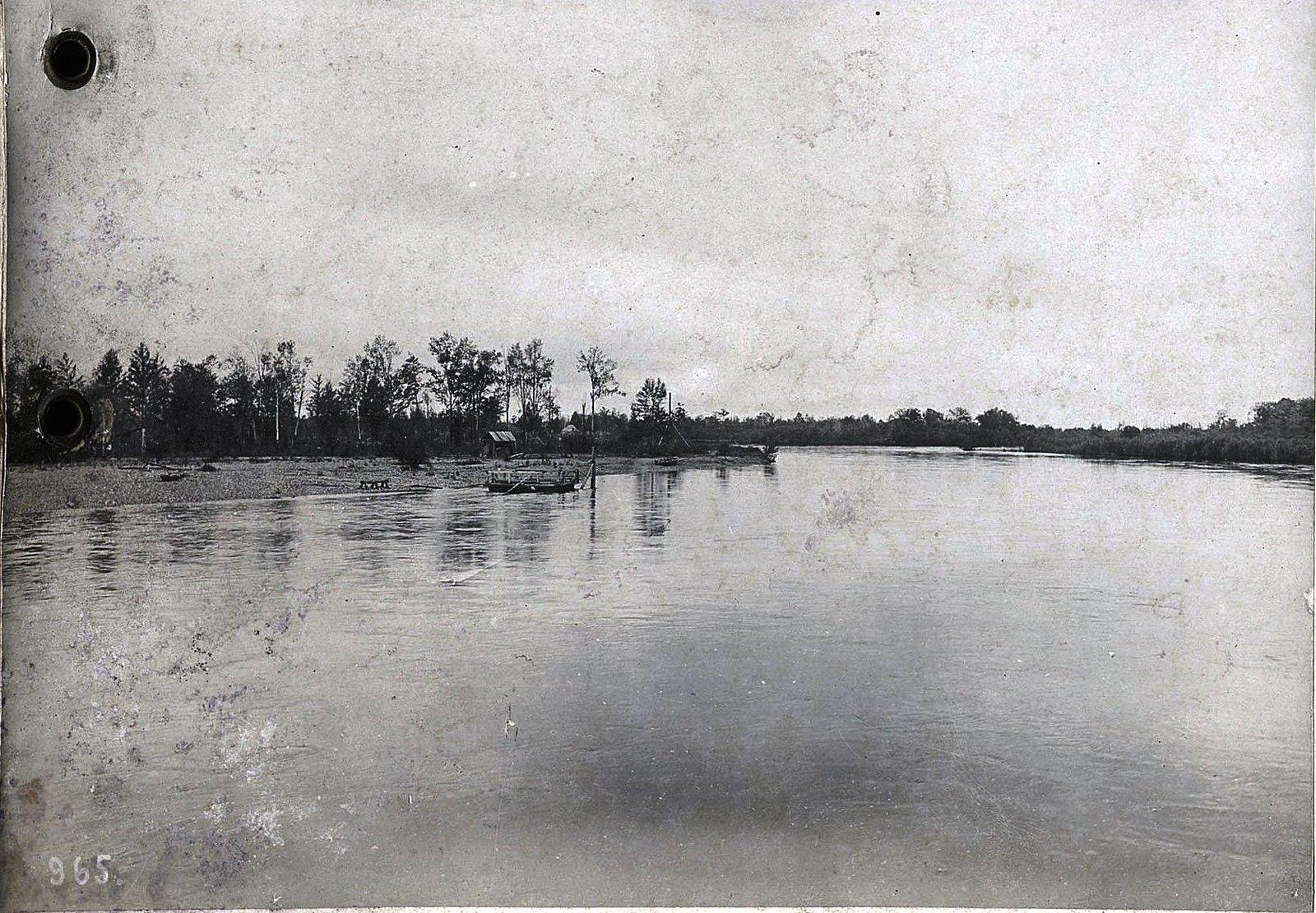 965. Путешествуя по реке (4)