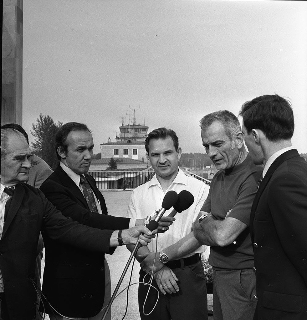 1973. Американский астронавт Доналд Эллвин Эванс