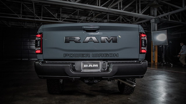 2021-ram-power-wagon-75th-anniversary-edition-5