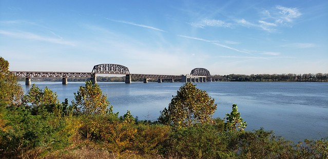 Beautiful fall day on the Ohio River