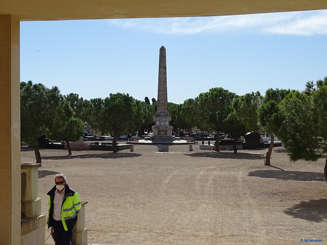 Baix Camp'20 (26-10) - Biciruta Galo de Los Campanarios-Etapa 1 Reus_la Selva 02 Reus 06 Avd de La Pau -01- Cementiri de Reus 01 Obelisco (Josep Simó) 01