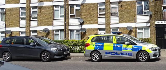 POLICE CAR PARKED ON A LONDON STREET ENGLAND DSC03340