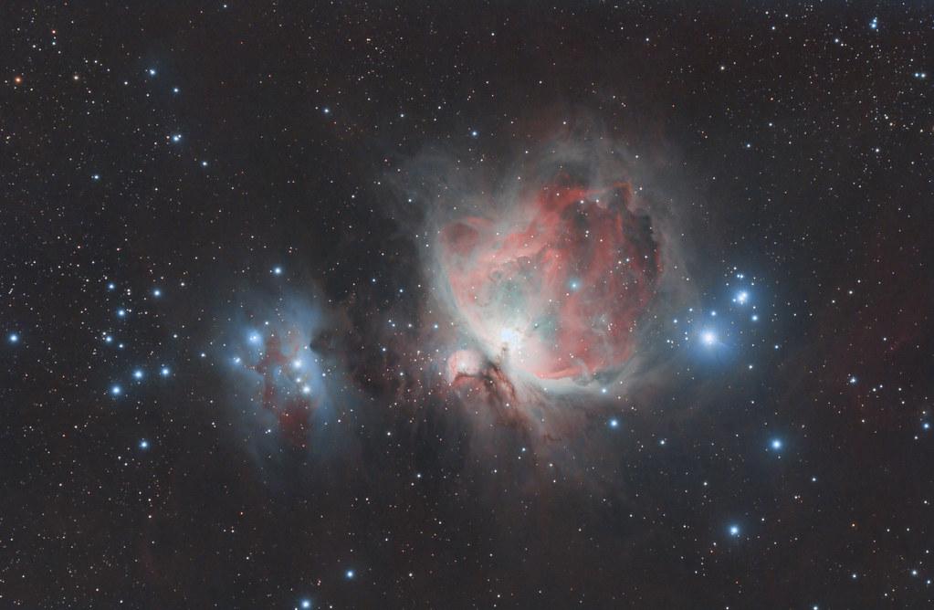 La Grande Nébuleuse d'Orion et la Nébuleuse du Running Man
