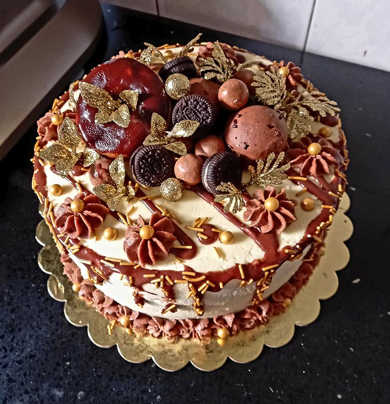 Cakes by Amy's Kitchen Treats