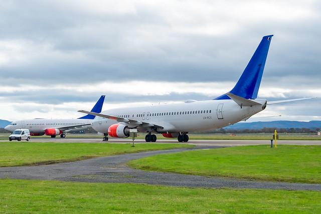 LN-RNN & LN-RCX Boeing 737-800 EX SAS _DSF4347