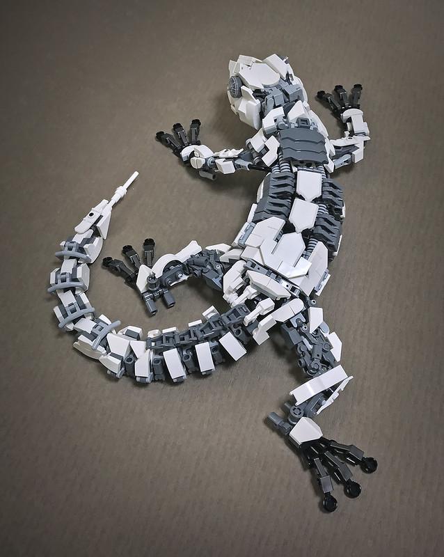 LEGO Mecha Gecko-02