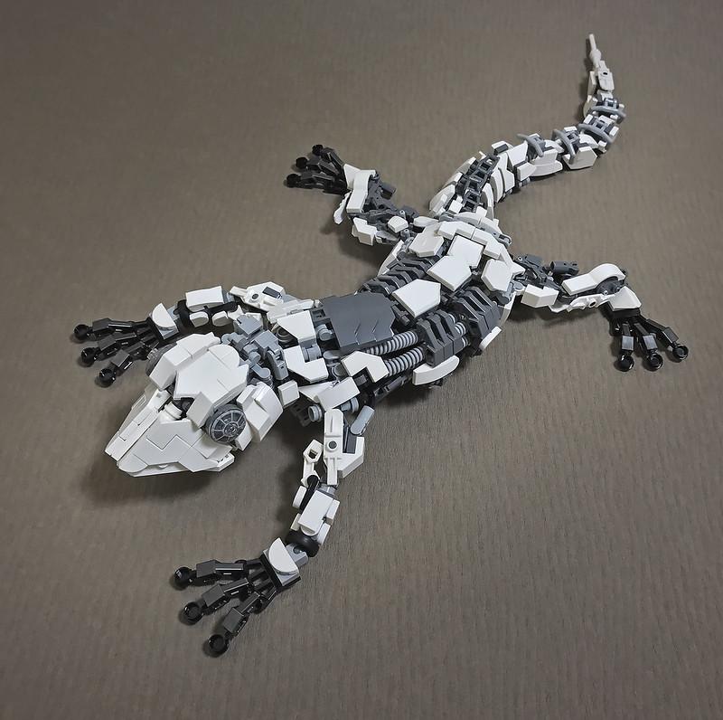LEGO Mecha Gecko-01