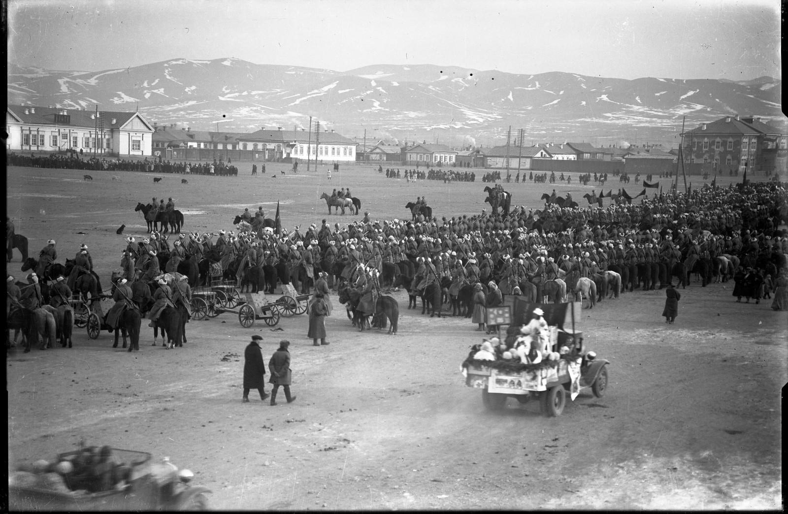 1930-е. Празднование Октябрьской революции в Улан-Баторе (4)