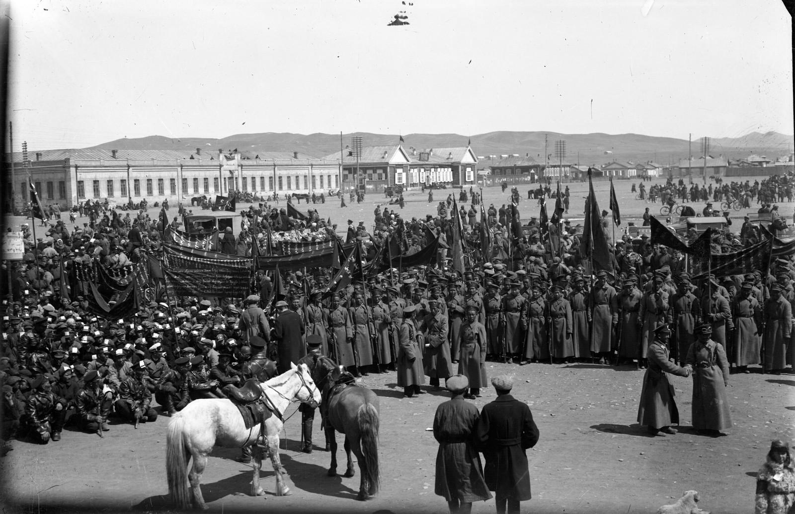 1930-е. Празднование Октябрьской революции в Улан-Баторе