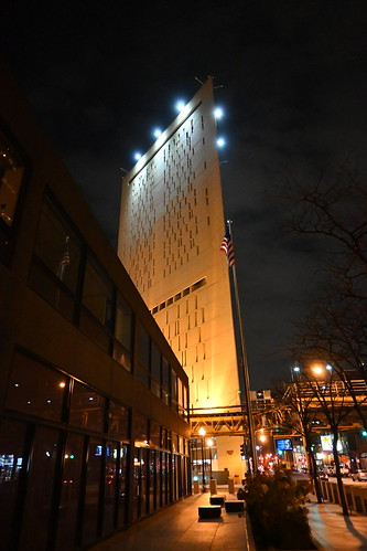 metropolitan correctional center chicago il loop south night photography architecture building buildings illinois nikon z50 mirrorless