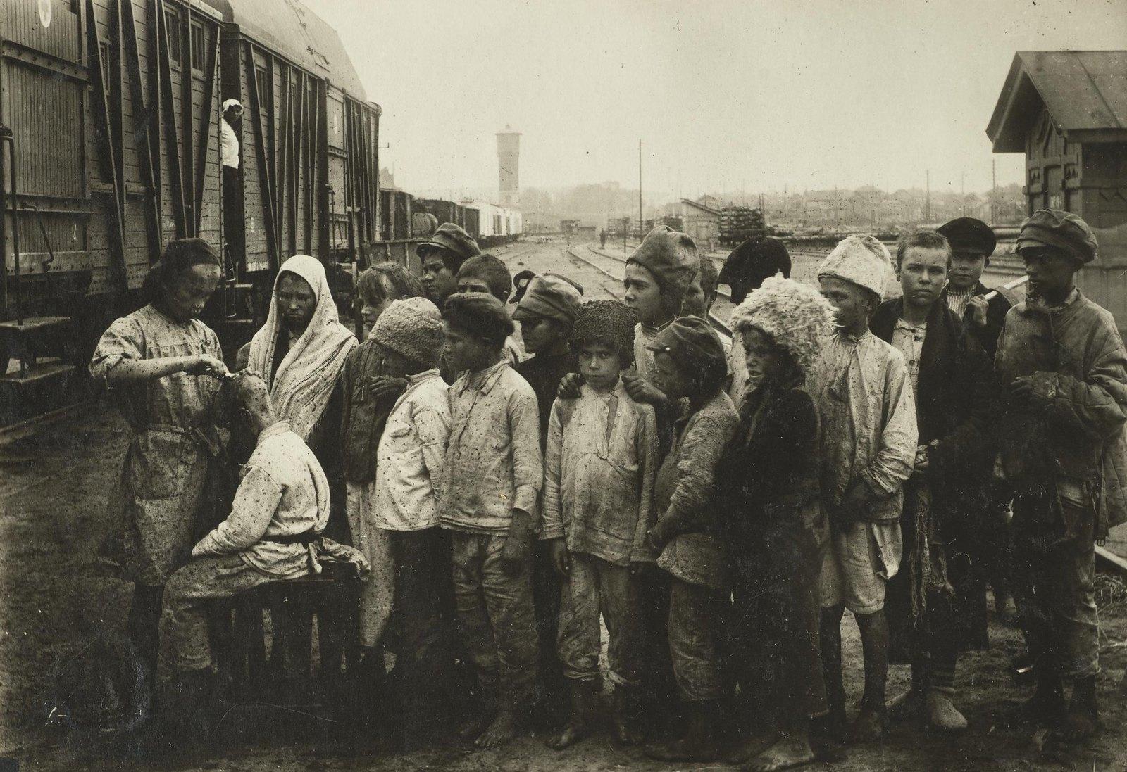 Санитарная обработка детей(Самарская губ.)