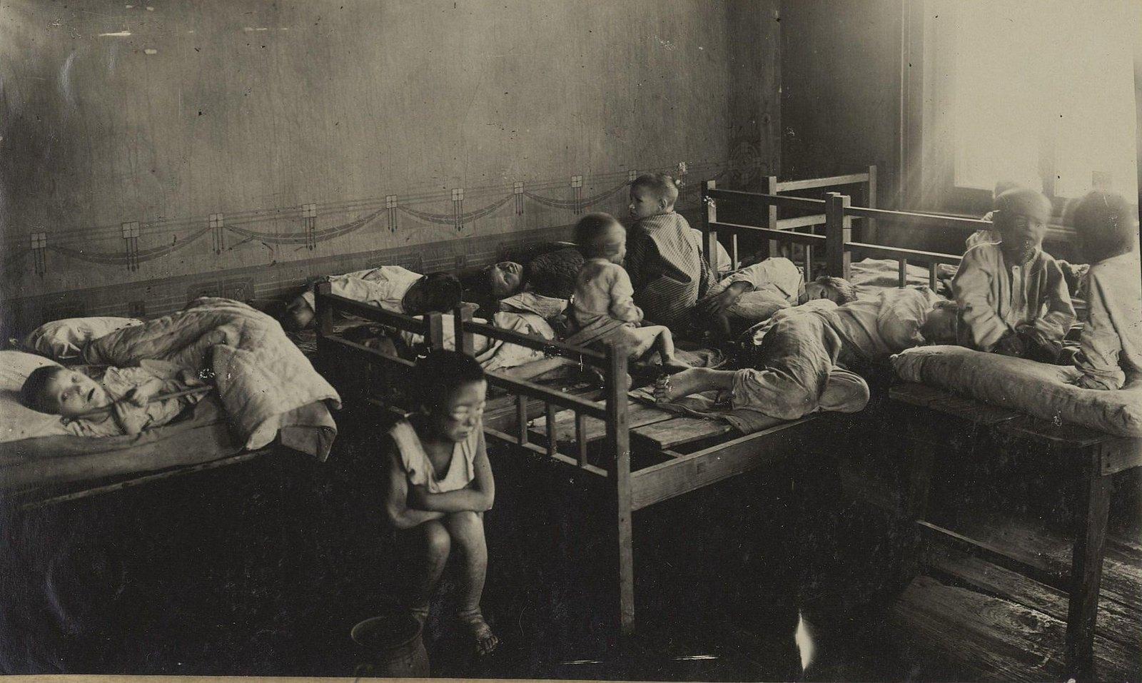 Детская больница. Палата для тяжелобольных детей (Самарская губ., Бугурусланский уезд, г. Бугуруслан)