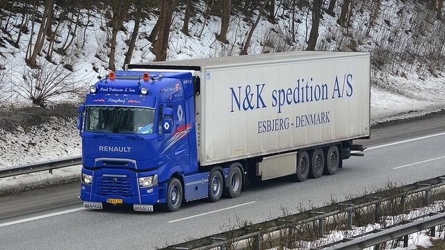 DK - Renault T High Sleeper Cab - Paul Pedersen & Søn