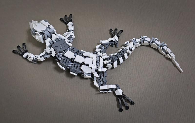 LEGO Mecha Gecko-10
