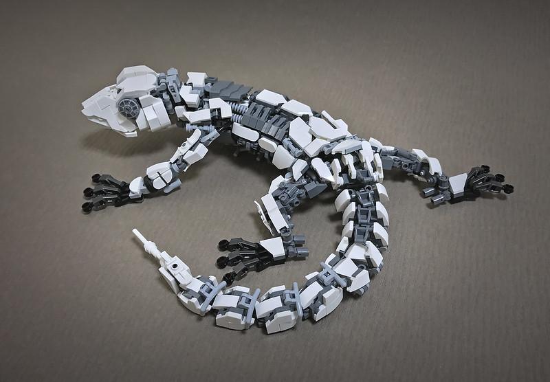 LEGO Mecha Gecko-07