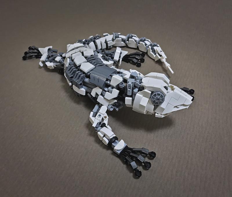 LEGO Mecha Gecko-05